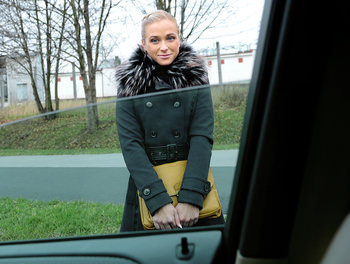 Fit Hitchhiker in Nude Stockings