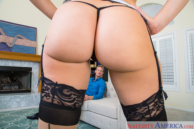 Dirty Wives Club - Anikka Albrit