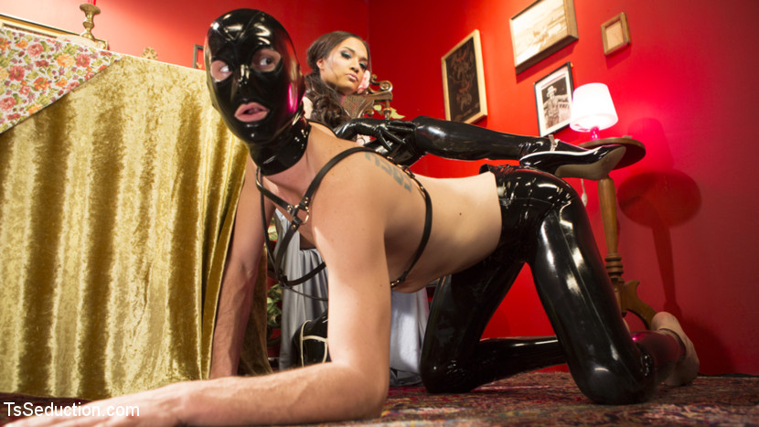 Kinky Tea Party with Jessica Fox