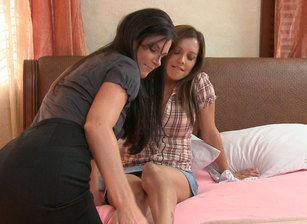 Lesbian PsychoDramas #08