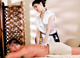 Asian Strip Mall Massage #04