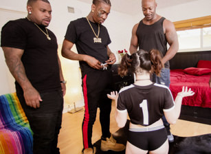 Interracial Gangbang Tryouts Volume 1 Scena 1