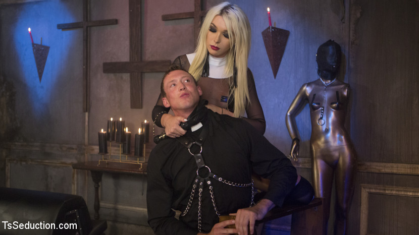 Sister Aubrey Kate Punishes Prie