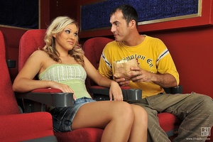Popcorn and cock Scène 1