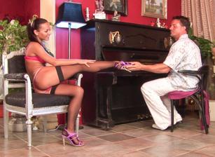 Sexy Piano Class Scena 1