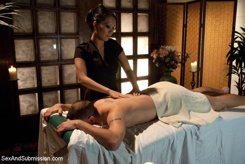 The Massage Parlor Scène 1