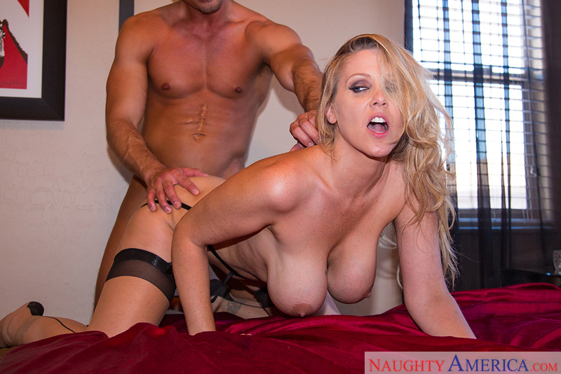 Dirty Wives Club - Julia Ann & B
