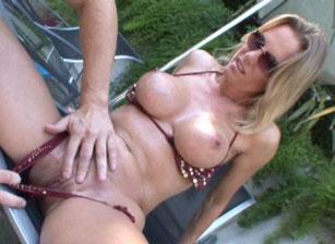 Big Titty Milfs Scène 4