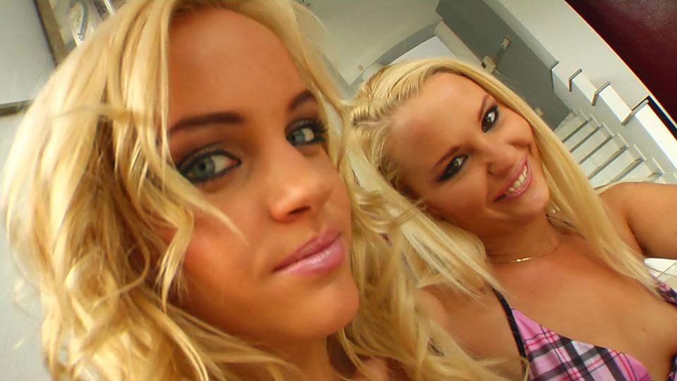 Brittney & Angel Scène 1