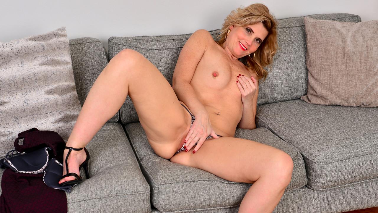 Its Her Pleasure Scène 1