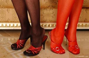 Red and black Scène 1