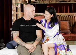 Asian Strip Mall Massage #05 Scènes