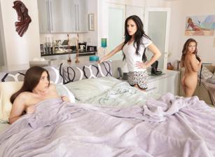 Lesbian Adventures - Older Women, Younger Girls #08 Scène 1