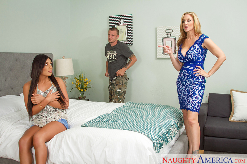 Seduced By A Cougar - Gianna Nic
