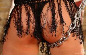 Chains of love Scène 1