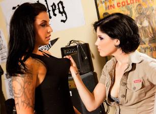 College Lesbianism! Scena 1