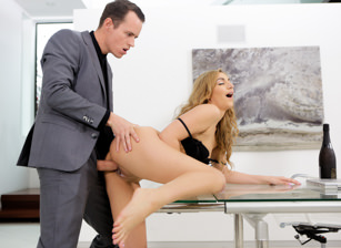Love in a Workplace Scena 1