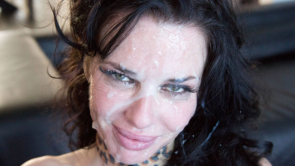 Veronica Avluv MILF Gets The Bro