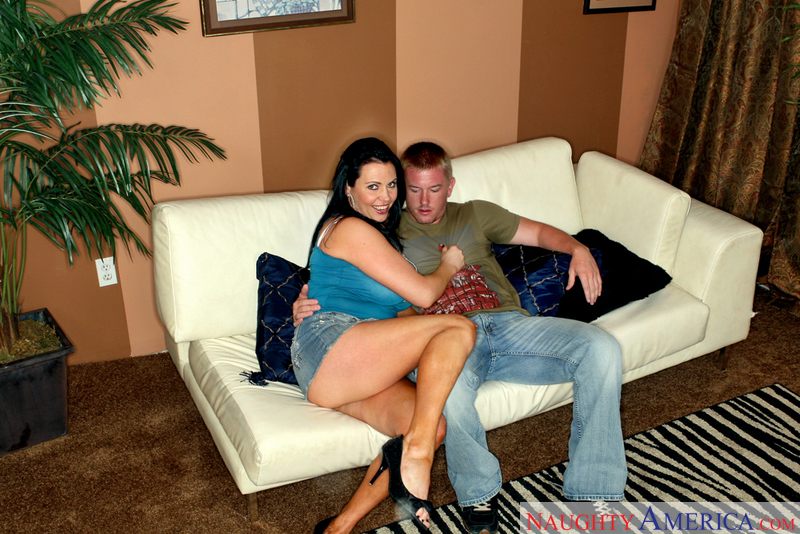 Seduced By A Cougar - Angelica S