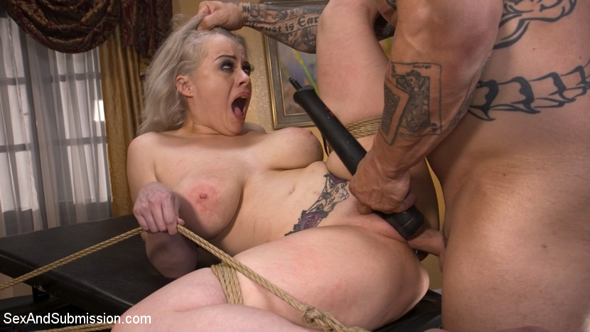 Bad Secretary: Newcomer Nadia Wh