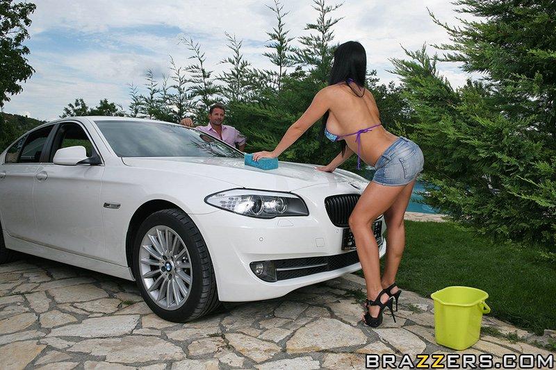 Aletta's Car Wash Scène 1