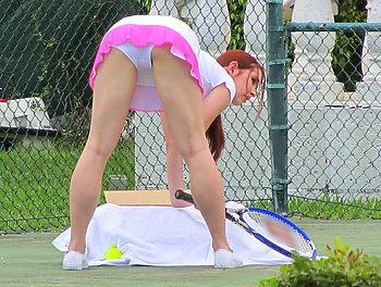 Lick My Tennis Balls Scène 1