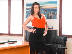 Flippant Secretary Scène 1