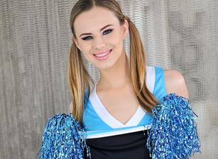 Naughty Cheerleader Scène 1