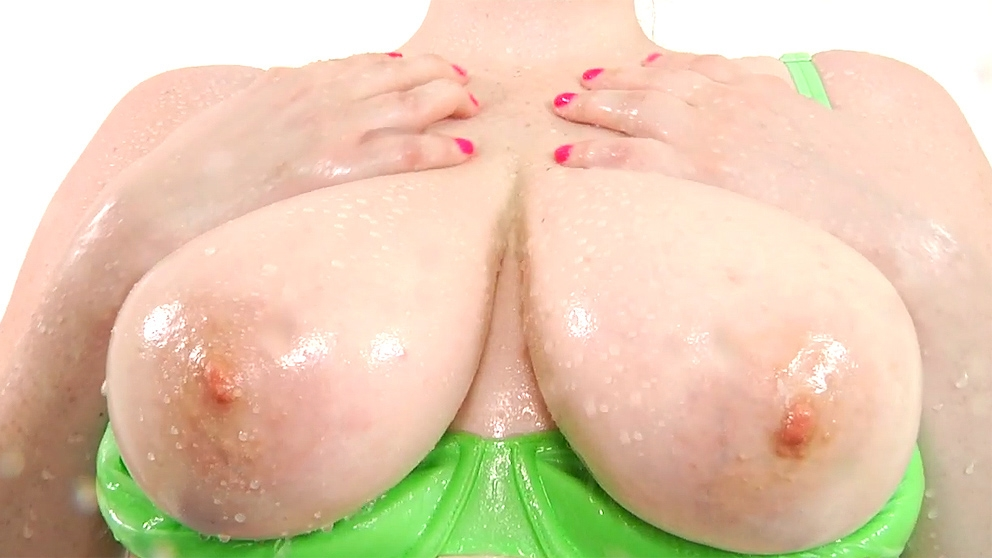 Tessa Lane Showing Of Her Big Na