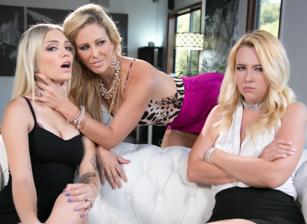 Mafia Mom Scena 1