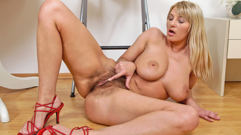 Ruby milf gone anal rar
