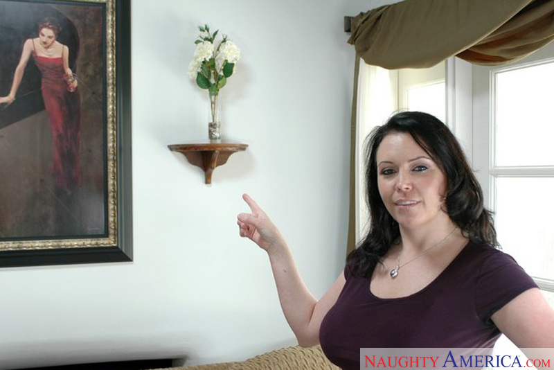 Housewife 1 on 1 - Angelica Sin