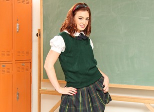 Corrupt Schoolgirls #06 Scène 1