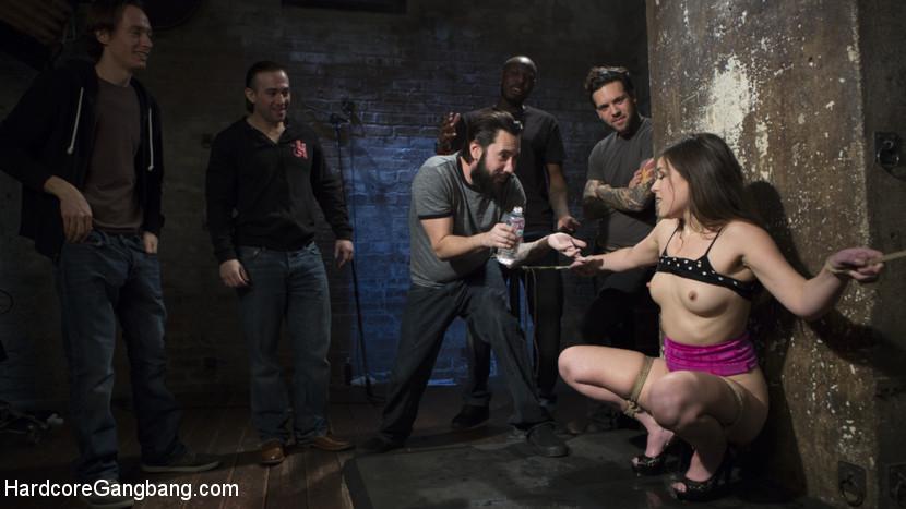 Fucking The Film Crew Scène 1