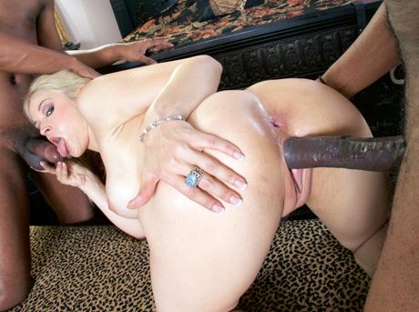 Sarah Vandella - A Darker Shade
