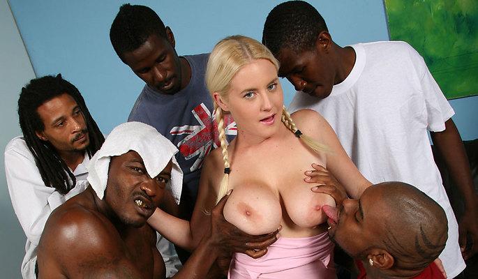 Amatuer Cindee - Blacks On Blond