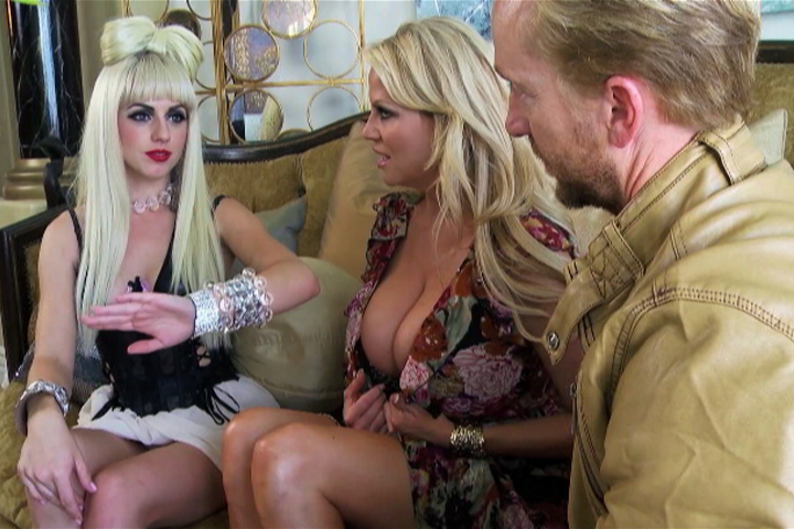 Lexi Belle Threesome 4