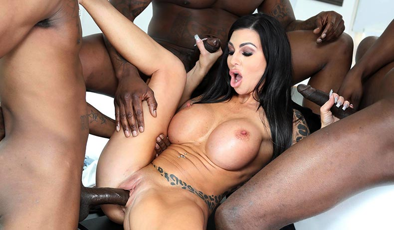 Blacks On Blondes - Melissa Lynn