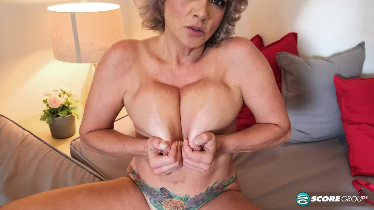 Betty Boobs is back!