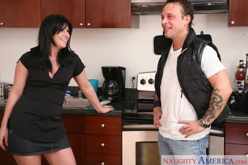 Neighbor Affair - Taryn Thomas &