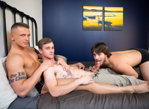 Passionate Trio Scène 1