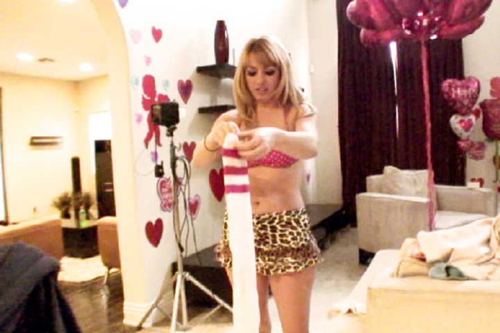 Valentine's Lexi BTS