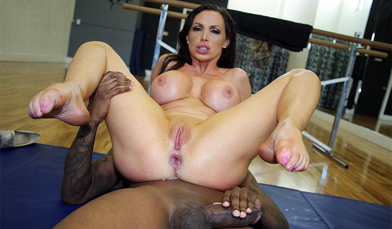 Cuckold Sessions - Nikki Benz