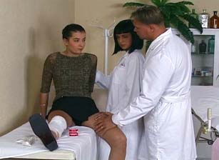 Nurses In Heat Escena 3