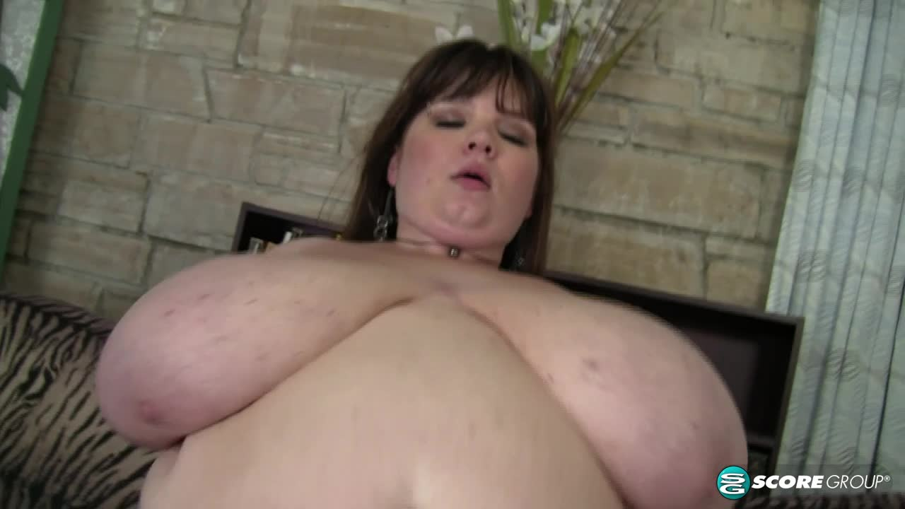 Anorei Collins: Huge Boobs For H