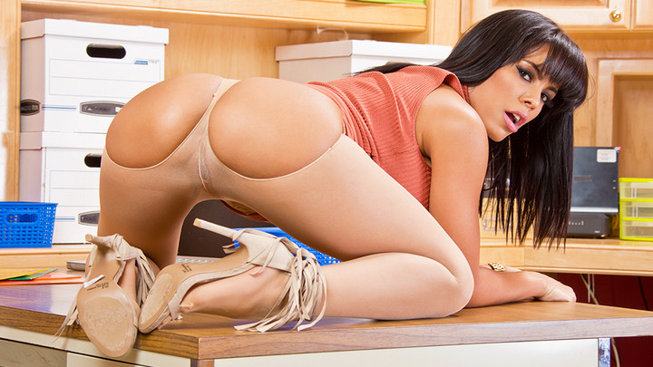 Naughty America - Luna Star