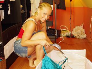 Kathia's new wardrobe Scène 1