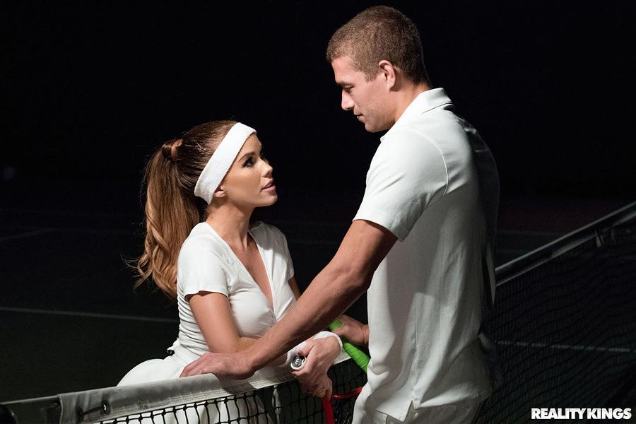 Tennis Titties Scène 1