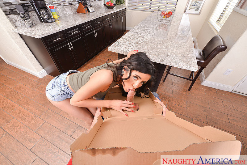 Naughty America - Naomi Woods &