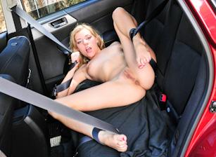 Lesbian Hitchhiker Scène 2